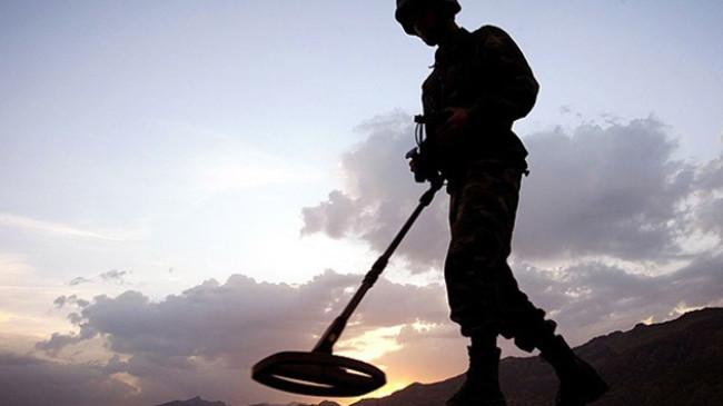 Afrin'de mayın temizliği sürüyor