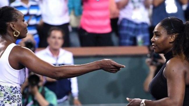 Serena Williams Indian Wells'te ablasına takıldı