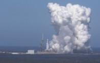 SpaceXdünyanın en güçlü roketini test etti