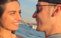Amine Gülşe'den Mesut Özil'e: Gözlerimde ışık ol