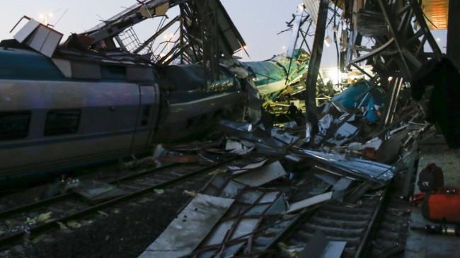 Ankara'da Yüksek Hızlı Tren kazası: 9 kişi hayatını kaybetti, 84 kişi yaralandı