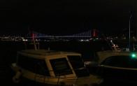 İstanbul Boğazı çift yönlü olarak gemi trafiğine kapatıldı