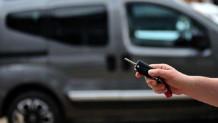 Akaryakıta yapılan son zamlarla birlikte araba alırken sorulan sorular