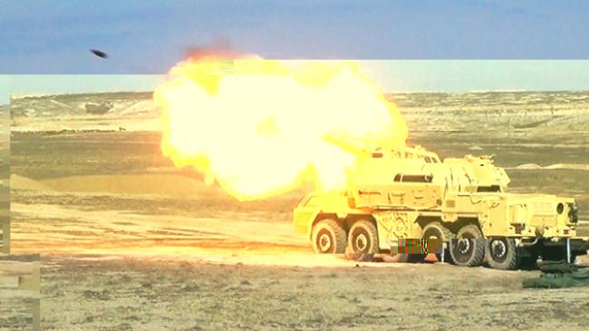 Azerbaycan ordusundan 25 bin askerle tatbikat