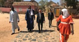 Dakar Büyükelçisi Civaner, Senegal'deki köleler evini gezdi