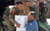 Mehmetçik terörün yakıp yıktığı Afrin'e kol kanat geriyor