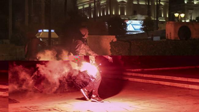 Selanik Başkonsolosluğu yakınındaki polislere saldırı