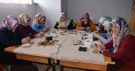 Ağrılı kadınlar göz nurunu Mehmetçiğe akıtıyor