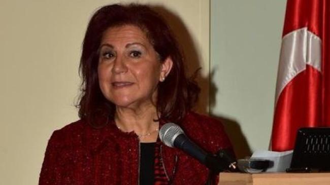 """Türk profesöre uluslararası platformda """"Onkolojide Kadın Lider"""" ödülü"""